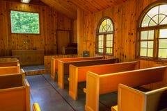 Interior pequeno da capela imagens de stock royalty free