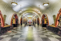 Interior of Ploshchad Revolyutsii subway station in Moscow, Russ Stock Photography