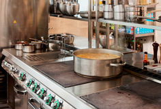 Interior profissional da cozinha imagem de stock royalty free