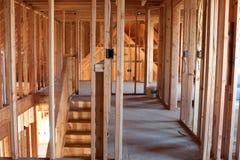 Interior que enmarca del hogar inacabado foto de archivo