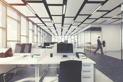 Interior retangular do escritório do espaço aberto, pessoa Foto de Stock