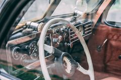 Interior retro del coche foto de archivo libre de regalías