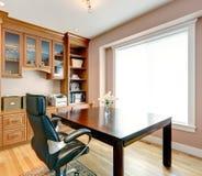 Interior simple con todo elegante del sitio de la oficina imagenes de archivo