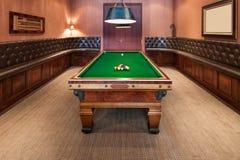 Interior, sitio de lujo con la mesa de billar Imágenes de archivo libres de regalías