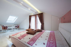 Interior of a specious bedroom Royalty Free Stock Image