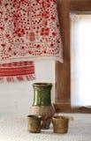 Interior ucraniano tradicional em uma cabana velha Imagem de Stock