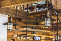 interior Um café pequeno da estrada É um lugar muito acolhedor para um bom resto Fotos de Stock