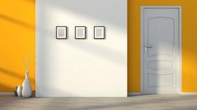 Interior vacío anaranjado con una puerta blanca Imágenes de archivo libres de regalías