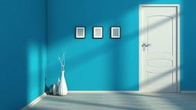 Interior vacío azul con una puerta blanca Imagen de archivo libre de regalías