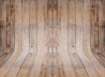Interior vacío del sitio con la pared y el piso de madera Imagen de archivo libre de regalías