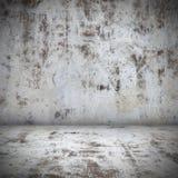 Interior vacío del sitio del muro de cemento viejo oscuro Arquitectura del Grunge Fotos de archivo