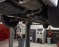 Interior vazio do auto mecânico Garage fotografia de stock royalty free