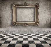 Interior vazio do Grunge com quadro Fotos de Stock