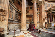 Interior Walls and Columns of the Pantheo in Rome Royalty Free Stock Photos