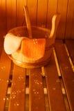 Interior y accesorios de la sauna Imagenes de archivo