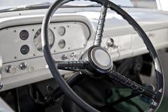 Interiore classico del camioncino scoperto fotografia stock