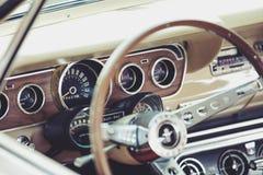 Interiore classico dell'automobile Fotografie Stock
