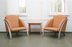 Interiore con due poltrone Immagini Stock Libere da Diritti