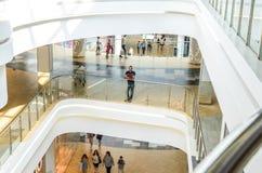 Interiore del centro commerciale Fotografie Stock Libere da Diritti