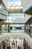 Interiore del centro commerciale Immagine Stock Libera da Diritti