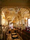 Interiore del ristorante di New York a Budapest Immagini Stock Libere da Diritti