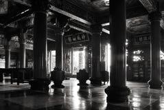Interiore del tempiale del cinese tradizionale Fotografia Stock Libera da Diritti