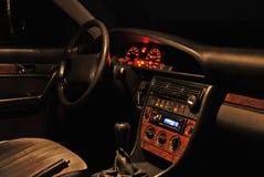 Interiore dell'automobile alla notte. Immagine Stock
