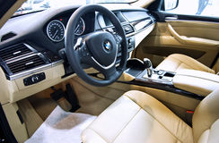 Interiore dell'automobile di BMW X6 Fotografie Stock