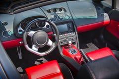 Interiore dell'automobile sportiva in cuoio del navone-rutabaga Fotografie Stock
