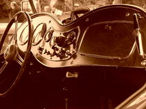 Interiore dell'automobile sportiva dell'annata Fotografia Stock