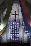 Interiore della chiesa con il g macchiato Fotografie Stock Libere da Diritti