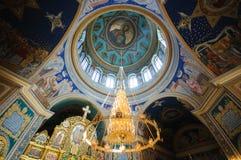 Interiore della chiesa ortodossa Immagine Stock