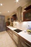 Interiore della cucina del Brown Fotografia Stock