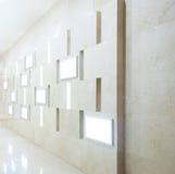 Interiore della galleria con i blocchi per grafici vuoti Fotografia Stock Libera da Diritti