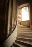 Interiore della scaletta di Blois immagini stock