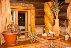 Interiore di una casa di legno Immagini Stock Libere da Diritti