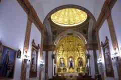 Interiore di una chiesa Un altare e una volta Rdoba del ³ di Castro del Rio CÃ Fotografia Stock Libera da Diritti
