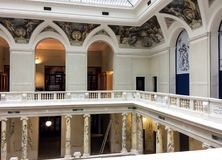 Interiore di una costruzione di lusso immagine stock libera da diritti