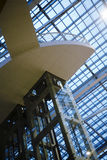 Interiore di una costruzione moderna Fotografie Stock