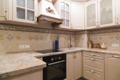 Interiore di una cucina moderna Immagini Stock