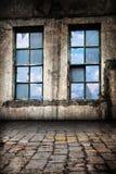 Interiore di vecchia priorità bassa del magazzino Fotografie Stock