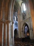 Interiore gotico della chiesa Fotografie Stock