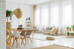Interiore moderno con il muro di mattoni Immagini Stock Libere da Diritti
