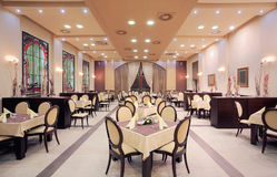 Interiore moderno del ristorante dell'hotel Immagine Stock