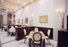 Interiore moderno del ristorante dell'hotel Fotografia Stock Libera da Diritti