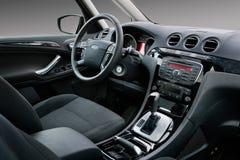 Interiore moderno dell'automobile fotografia stock