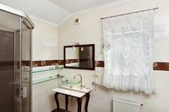 interiore moderno della stanza da bagno immagine stock