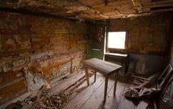 Interiore rustico della baracca Immagine Stock