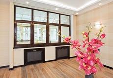 Interiore vuoto del salone nello stile moderno Immagine Stock Libera da Diritti