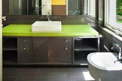 Interiores, banheiro moderno imagens de stock royalty free